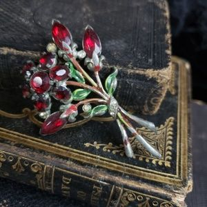 Beautiful bouquet brooch from the 1930's.